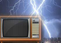 Biaya Service TV Kena Petir Dan Ciri Kerusakannya